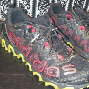 Adidas Vigor 3 TR blacklight scarlet running shoes